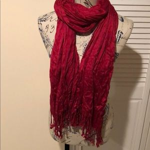 Accessories - 🎁 Red silky tasseled scarf